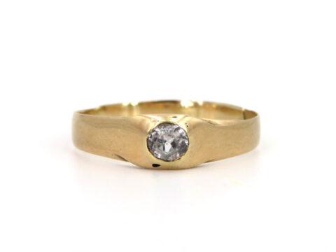 Goldring aus Deutschland mit Diamant